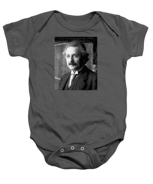 Albert Einstein Nel 1921 Baby Onesie