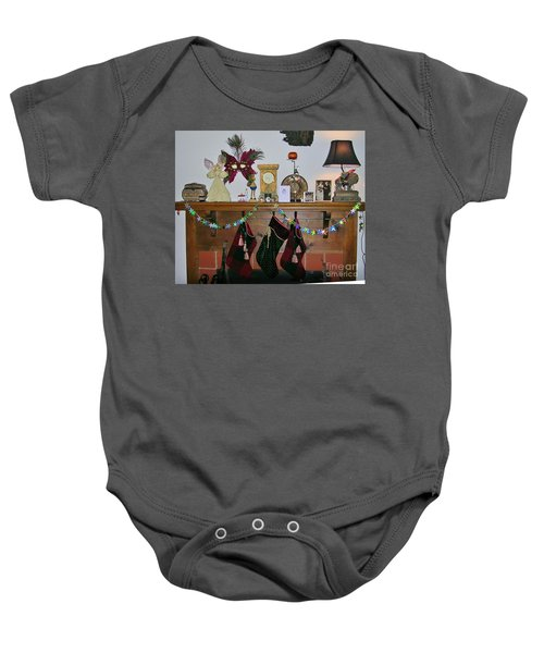 Mantel With Mask Baby Onesie