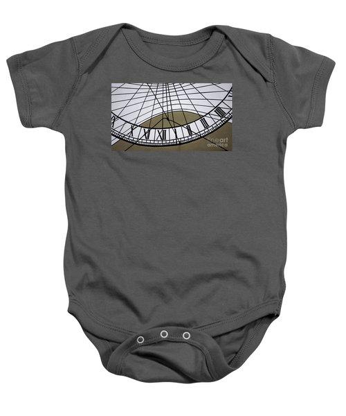 Vertical Sundial - Vertikale Sonnenuhr Baby Onesie