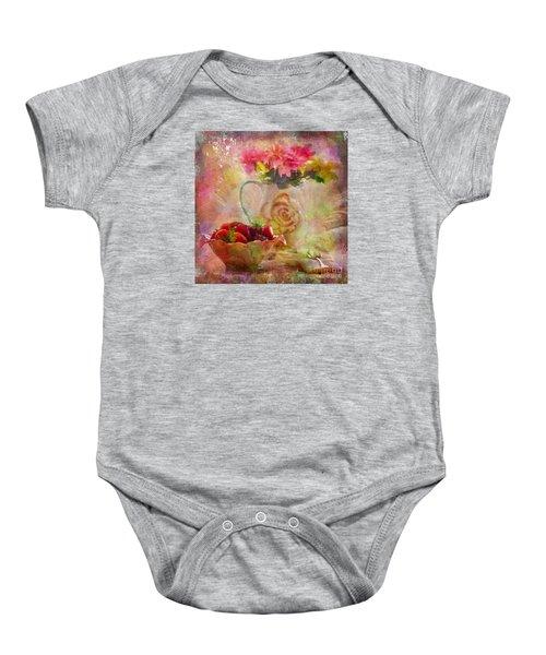 Les Fraises Et Les Fleurs 2015 Baby Onesie