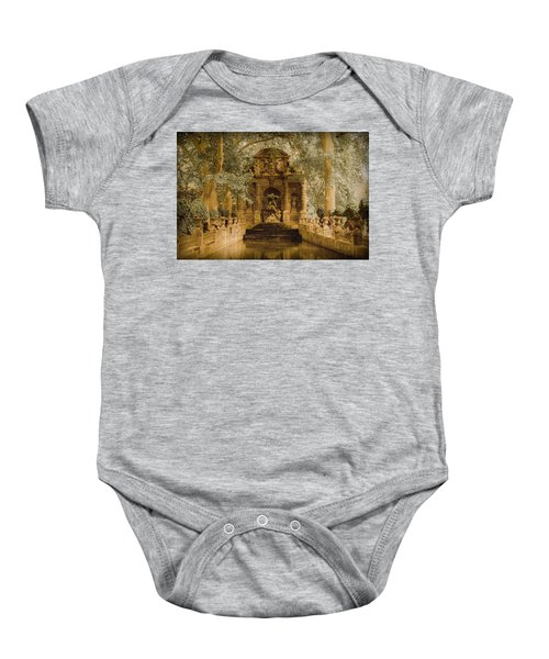 Paris, France - Medici Fountain Oldstyle Baby Onesie