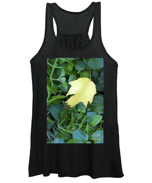 Fallen Yellow Leaf Women's Tank Top