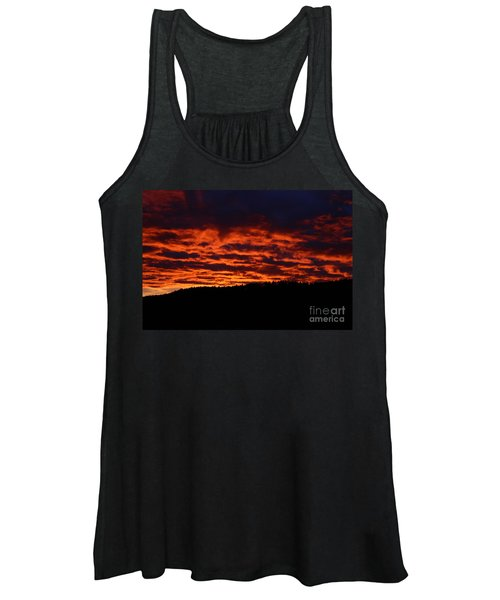 Red Sky In The Morning Women's Tank Top