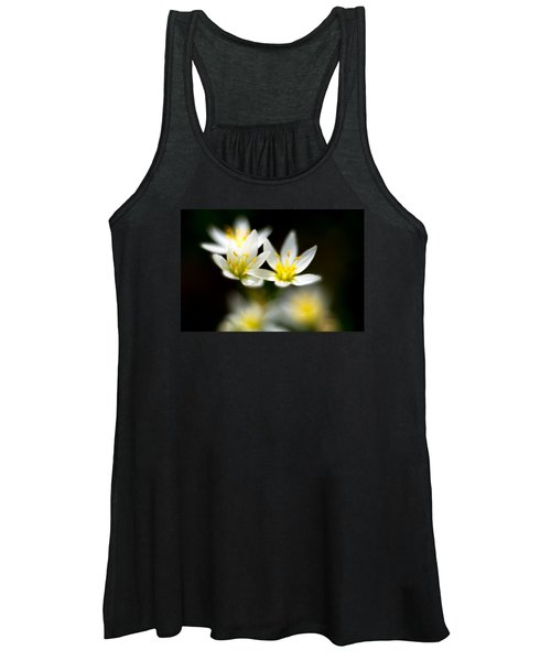 Small White Flowers Women's Tank Top