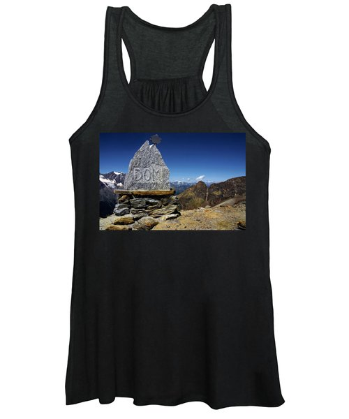 Statue The Dom Women's Tank Top