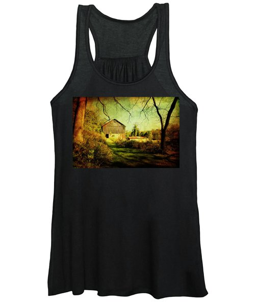 The Old Barn With Texture Women's Tank Top