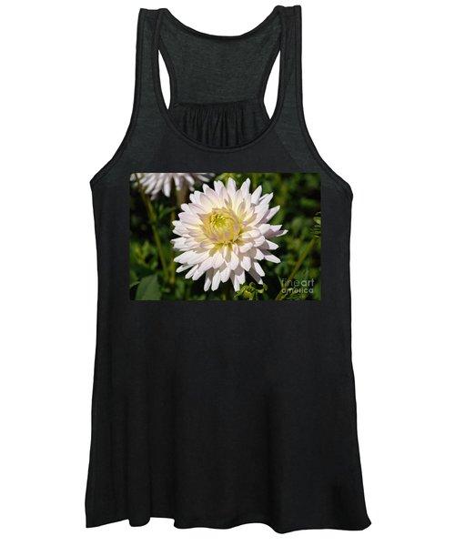 White Dahlia Flower Women's Tank Top