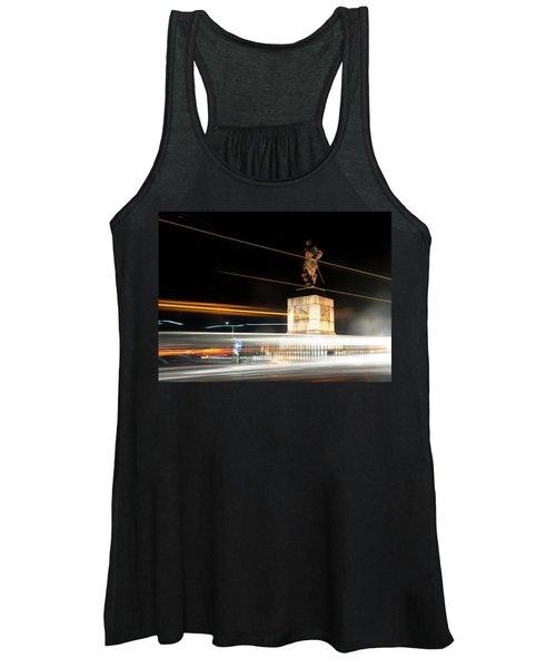 Drake's Statue Traffic Trails Iv Women's Tank Top