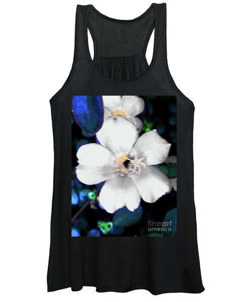 Bright Blue Accents White Vinca Women's Tank Top