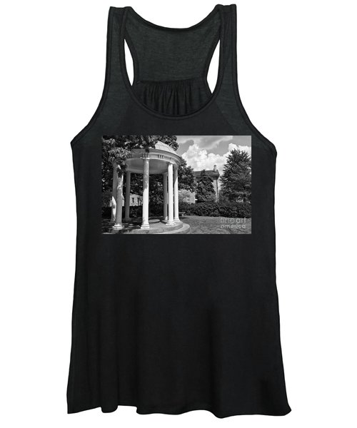 Chapel Hill Old Well In Black And White Women's Tank Top