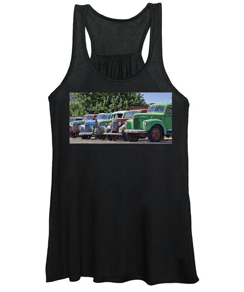 Colorful Old Rusty Cars Women's Tank Top