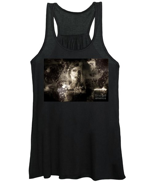 Evil Vampire Woman Looking Into Bloody Mirror Women's Tank Top