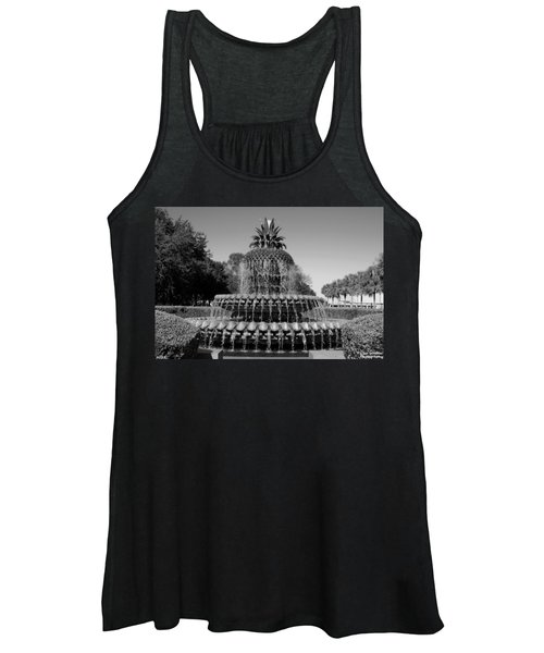 Pineapple Fountain Charleston Sc Black And White Women's Tank Top