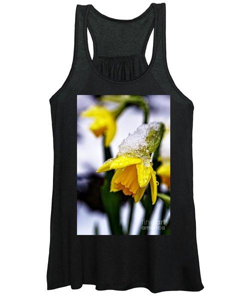 Spring Daffodil Flowers In Snow Women's Tank Top