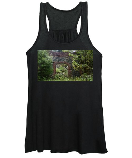 The Gate Into Nothingness Women's Tank Top
