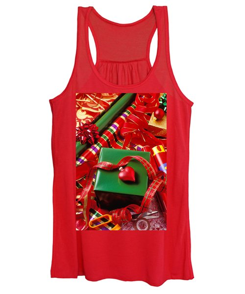 Christmas Wrap With Heart Ornament Women's Tank Top