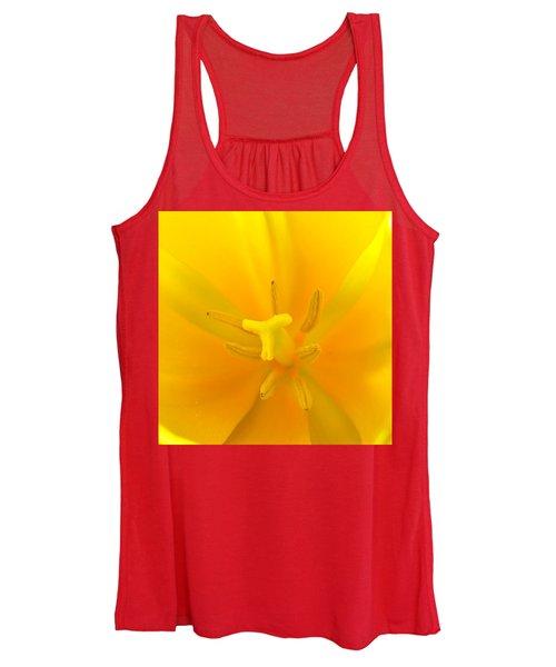 Daffodil Center Women's Tank Top