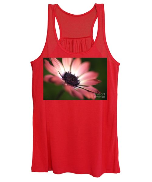 Beautiful Rich African Daisy Zion Red Flower Women's Tank Top