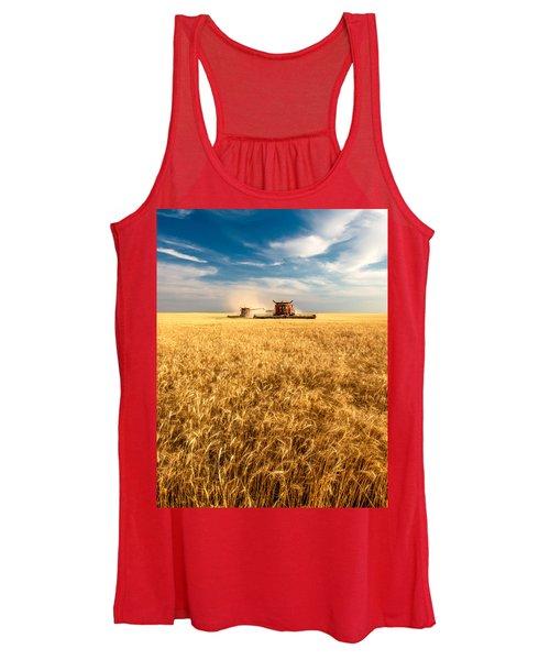 Combines Cutting Wheat Women's Tank Top