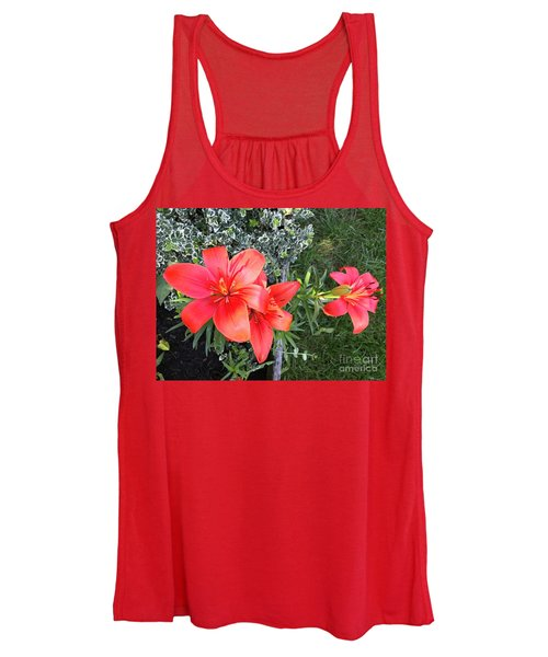 Red Day Lilies Women's Tank Top