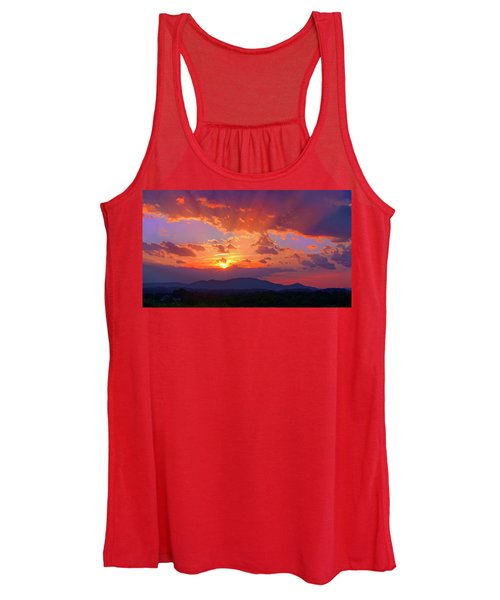 Sunset Rays At Smith Mountain Lake Women's Tank Top