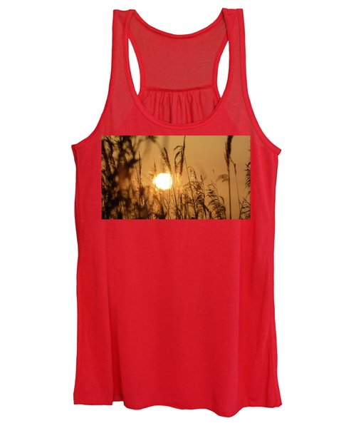 View Of Sun Setting Behind Long Grass B Women's Tank Top
