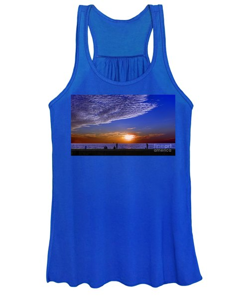 Beautiful Sunset With Ships And People Women's Tank Top