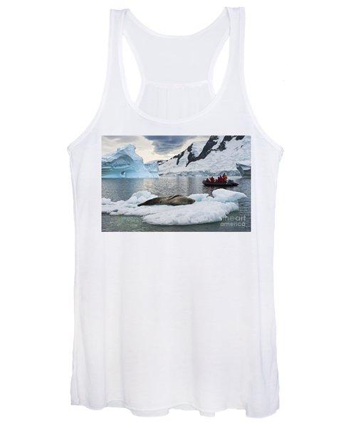 Antarctic Serenity... Women's Tank Top