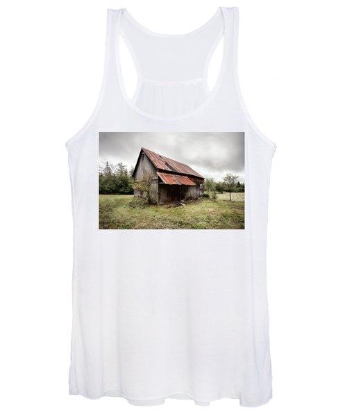 Rusty Tin Roof Barn Women's Tank Top