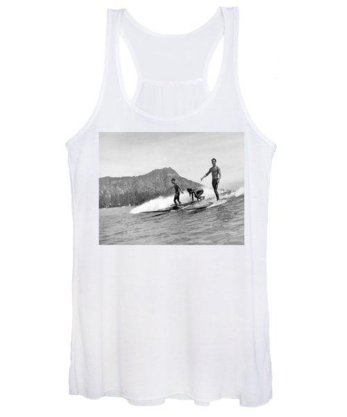 Surfing In Honolulu Women's Tank Top