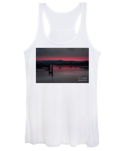 Women's Tank Top featuring the photograph Sunset On The River by Perry Rodriguez