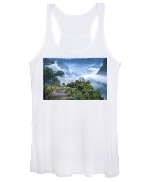 Mountains Scenery In The Mist Women's Tank Top
