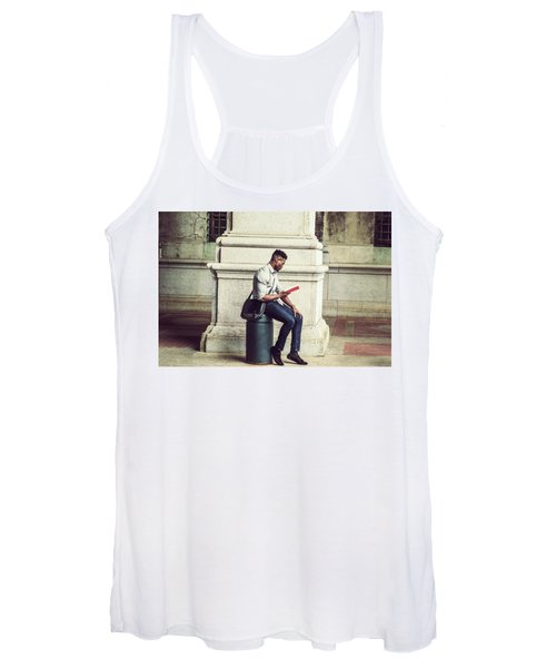 African American College Student Studying In New York Women's Tank Top