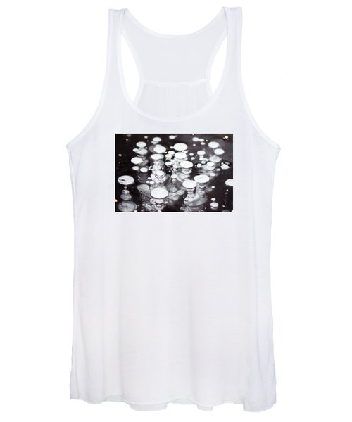 Air Trapped In Ice Women's Tank Top