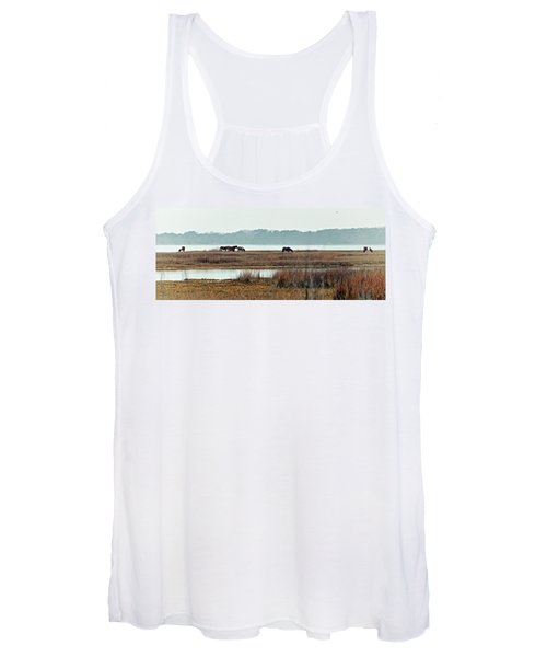 Band Of Wild Horses Along Sinepuxent Bay Women's Tank Top