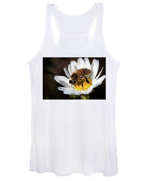 Bee On The Flower Women's Tank Top