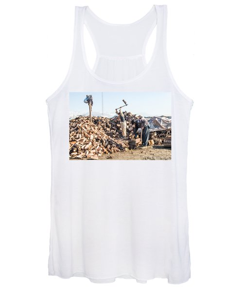 Chopping Wood Women's Tank Top