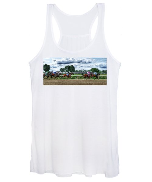 Close Competition Women's Tank Top