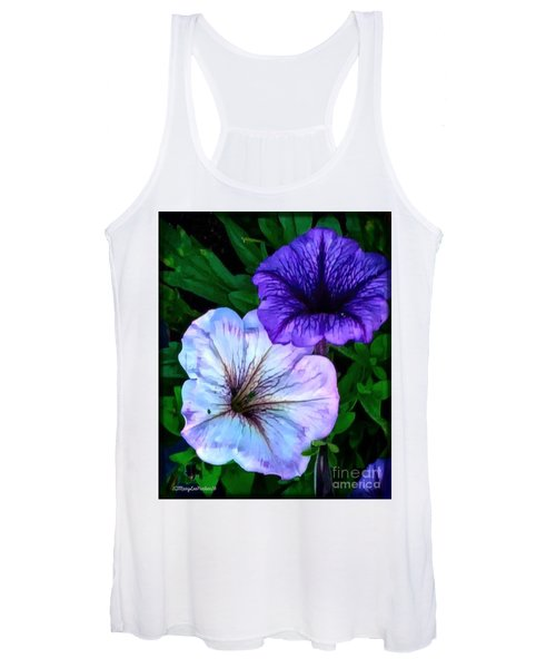 Last Of The Petunias   Women's Tank Top