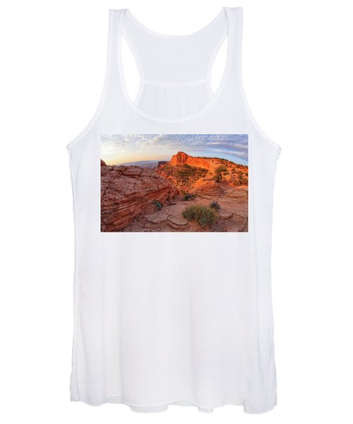 Mesa Arch Overlook At Dawn Women's Tank Top