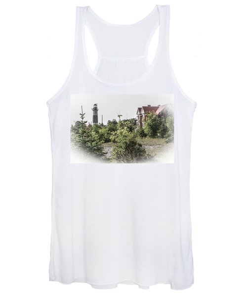 Middle Island Lighthouse And Keeper's Lodge Women's Tank Top
