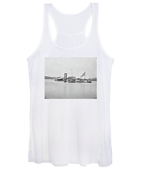 Women's Tank Top featuring the photograph Monitor 2 by John Feiser