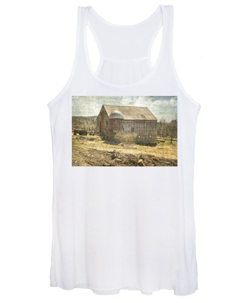 Old Barn Still Standing  Women's Tank Top