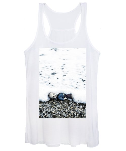Old Doll On The Beach Women's Tank Top