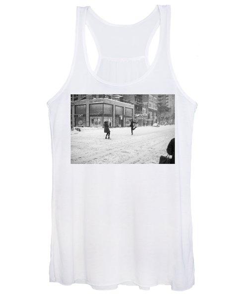 Snow Dance - Le - 10 X 16 Women's Tank Top