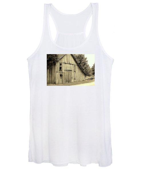 Tall Barn Women's Tank Top