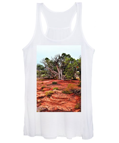 The Tree That Knows All Women's Tank Top