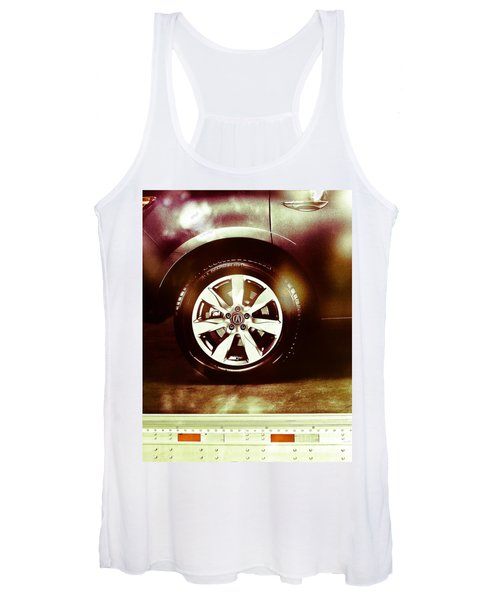 Tire Under The Moonlight Color Women's Tank Top