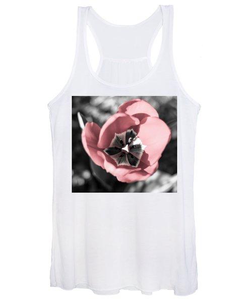 Tulip Up Close Women's Tank Top