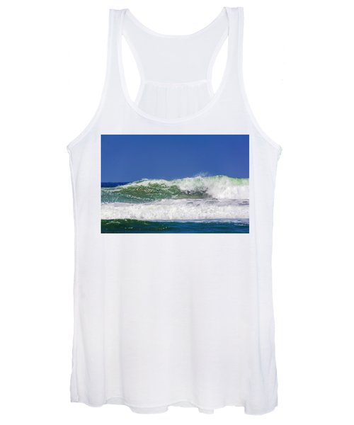 Wave Rolling To The Beach Women's Tank Top